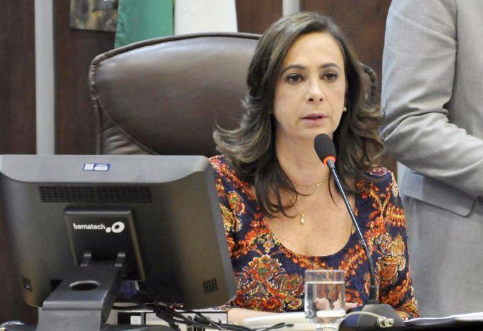 De iniciativa parlamentar, Bolsa Atleta define desportistas beneficiados.