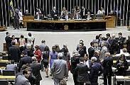 Deputados debatem pena alternativa para importação de droga para uso pessoal.