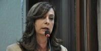 Dia Nacional do Voto Feminino é registrado em plenário pela deputada Márcia Maia.