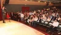 Governador anuncia reforma do Teatro Alberto Maranhão e R$ 6 milhões para incentivo à cultura.