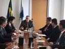 Governador busca alternativas à redução de investimento da Petrobras no RN.