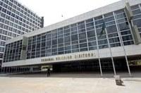 Partidos reclamam e ministro do TSE pede parecer à Procuradoria sobre resolução.