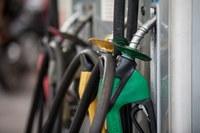 Petrobras aumenta pelo 2° dia seguido o preço da gasolina.