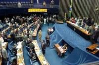 PMDB e PSDB vão caminhar juntos, dizem senadores.