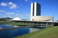 Senado abre consulta sobre diminuição de parlamentares.