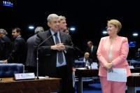 Senado aprova criação do programa Cartão Reforma para subsidiar compra de materiais de construção.